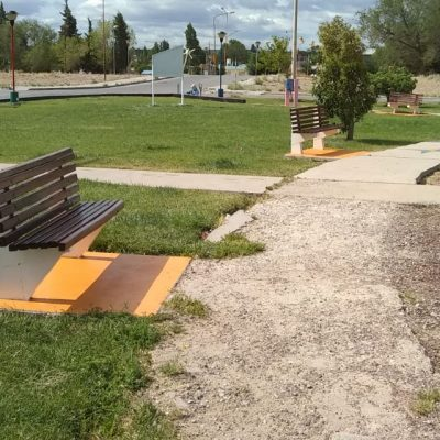 Embellecen la plaza Peumayen en Cutral Co